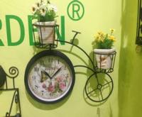Садовые часы односторонние с подставкой для цветов